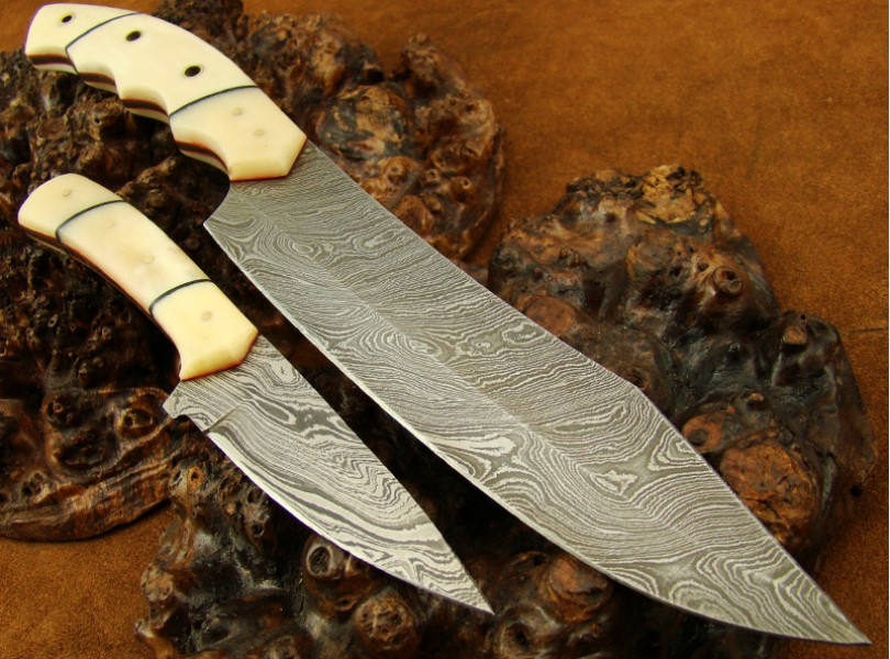 Set of 2 Damascus knives